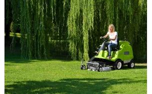 Садовый райдер Grillo FD 220 R B&S INTEK с фронтальным режущим механизмом и встроенным травосборником